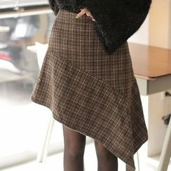 Cherryville - Asymmetric-Hem Check Skirt