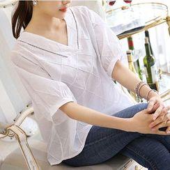 Fumoya - V-Neck Short-Sleeve Blouse