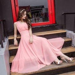 Kotoba - Sleeveless V-Neck Maxi Dress
