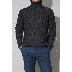 Ohkkage - Turtle-Neck Sweater