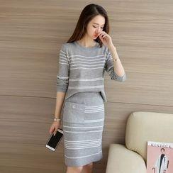 Ashlee - Set: Stripe Knit Top + Skirt