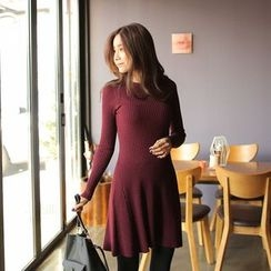 Cherryville - Ribbed A-Line Knit Dress