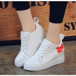 BAYO - Print Hidden Wedge Sneakers