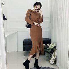 Seoul Fashion - Set: Drop-Shoulder Knit Top + Ruffle-Hem Skirt