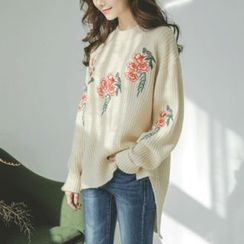JUSTONE - Dip-Back Flower-Embroidered Sweater