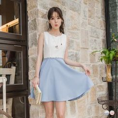 OrangeBear - Lace Panel Sleeveless A-Line Dress