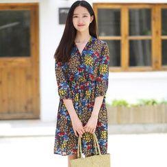 Rainbeam - Elbow-Sleeve V-Neck Printed Dress