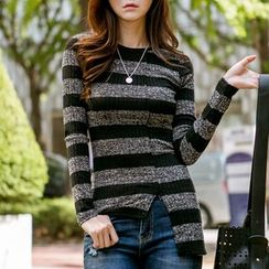 MayFair - Striped Long-Sleeve Asymmetric T-Shirt
