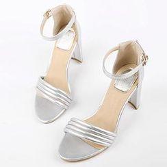Mancienne - Chunky Heel Sandals