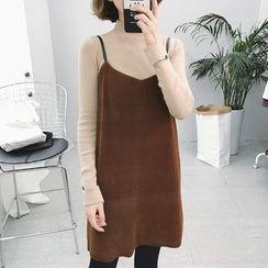 Eva Fashion - V-Neck Strappy Dress