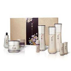 The Face Shop - Myeonghan Miindo Heaven Grade Ginseng Set : Toner 160ml/25ml + Emulsion 140ml/25ml  + Essence 45ml/10ml  + Cream 50ml/25ml + Oil 32ml