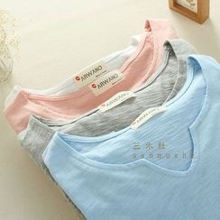 Mushi - Long-Sleeve Notch Neck T-Shirt