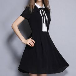 Merald - Short-Sleeve Color Block Tie Waist Dress