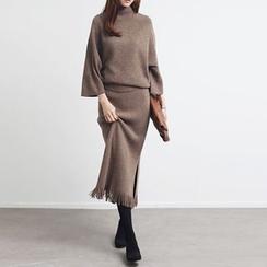Neeya - 套装: 七分袖厚毛衣 + 开衩中长裙