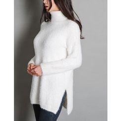 GUMZZI - Turtleneck Knit Sweater