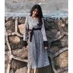 Eva Fashion - 印花喇叭袖口连衣中裙配窄身围巾