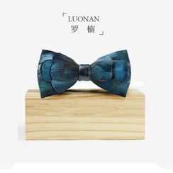 Luonan - Feather Bow Tie