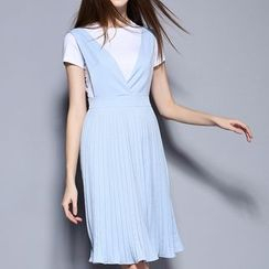 Merald - Set: Short Sleeve T-Shirt + Pleated Pinafore Dress