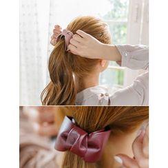 soo n soo - Faux-Leather Bow Hair Clamp