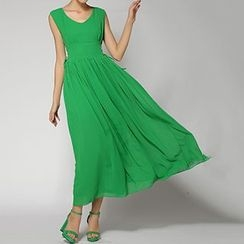 Rebecca - Sleeveless V-Neck Maxi Dress