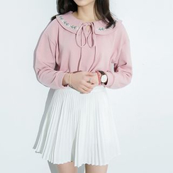 GOGO Girl - Embroidered Long-Sleeve Collared Top