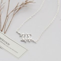 Love Generation - Leaves Sterling Silver Necklace