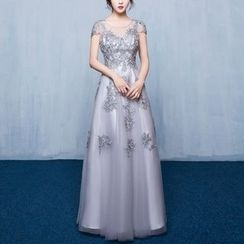 Luxury Style - Embellished Lace Evening Gown