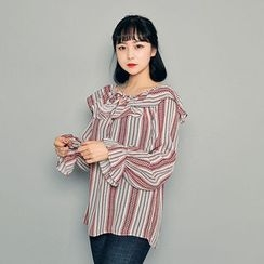 HOTPING - Tie-Front Pattern Top