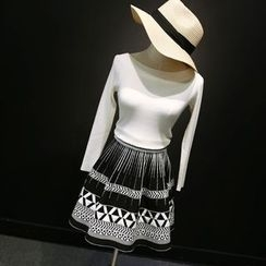 CHERJOE - Patterned A-Line Knit Skirt