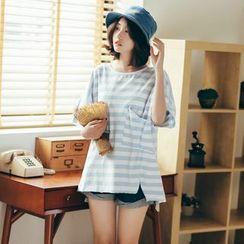 11.STREET - Striped T-Shirt