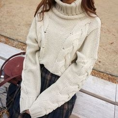 EFO - Cable Sweater