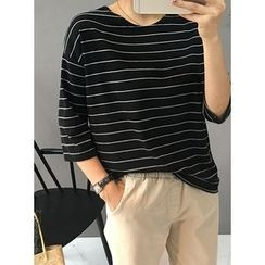 STYLEBYYAM - 3/4-Sleeve Striped T-Shirt