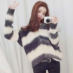 EFO - 條紋毛衣