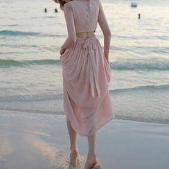 Jolly Club - Sleeveless Open-Back Dress