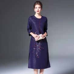 Elabo - Embroidered 3/4-Sleeve Midi Dress