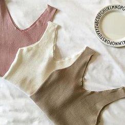 Oyal - Plain V-Neck Cropped Knit Tank Top