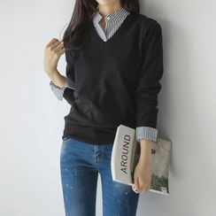 JUSTONE - V-Neck Colored Knit Top