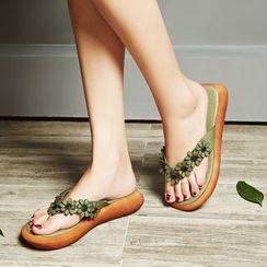 LARKSPUR - Genuine Leather Floral Flip-flops