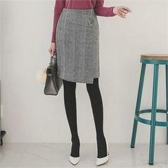 ode' - Metal Trim Plaid Skirt