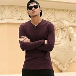 Mannmix - V-neck Long-Sleeve T-shirt
