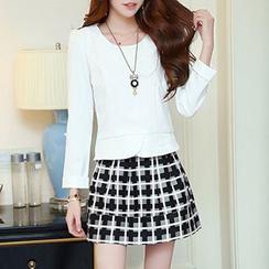 Hazie - Set: Long-Sleeve Top + Check A-Line Skirt