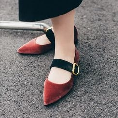 JY Shoes - Buckled Pointed Flats