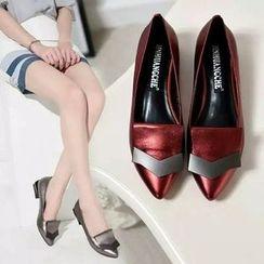 BAYO - 亮面粗跟鞋
