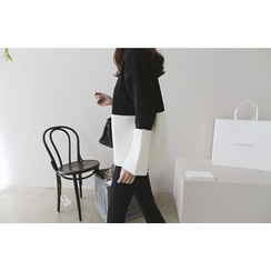 DAILY LOOK - Turtle-Neck Color-Block Knit Top