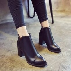 Yoflap - Faux Leather Chunky Heel Ankle Boots