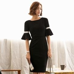 Eleganza - Bell-Sleeve Sheath Dress