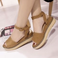 Megan - Platform Sandals
