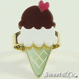 Sweet & Co. - Mini Chocolate Ice-Cream Gold Ring