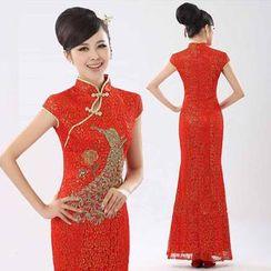 Bridal Workshop - Embroidered Cap Sleeve Wedding Cheongsam
