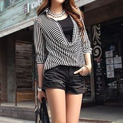 Jolly Club - Set: Long-Sleeve Striped Top + Camisole
